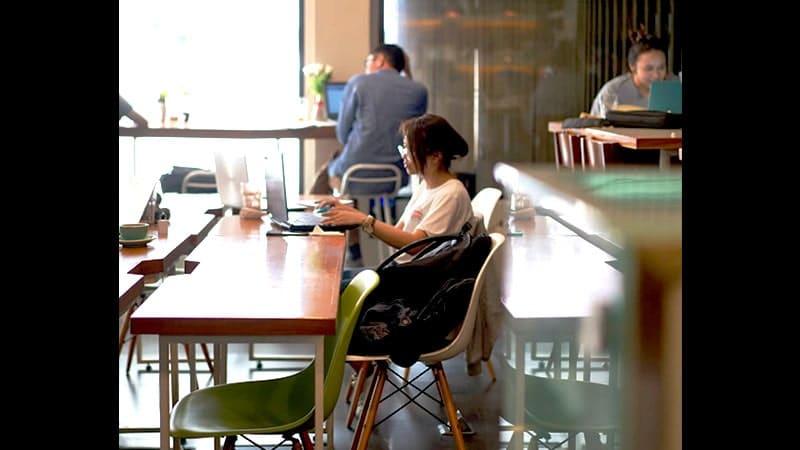 tempat ngopi di jakarta - workroom coffee