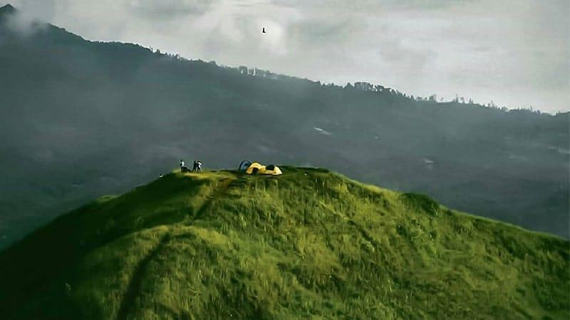 Tempat Wisata Gratis di Bandung - Bukit Teletubbies Cicalengka