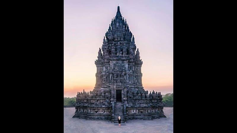 Tempat Wisata Candi Prambanan - Candi Siwa