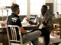 Cerita Percakapan Lucu Singkat - Dua Pria Mengobrol