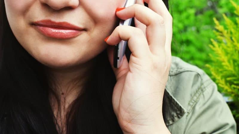 Obrolan Lucu dengan Pacar - Wanita Menelepon