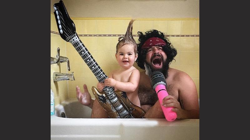 kumpulan foto lucu - bapak anak mandi