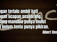 Motto Hidup Lucu tapi Bermakna - Albert Einstein