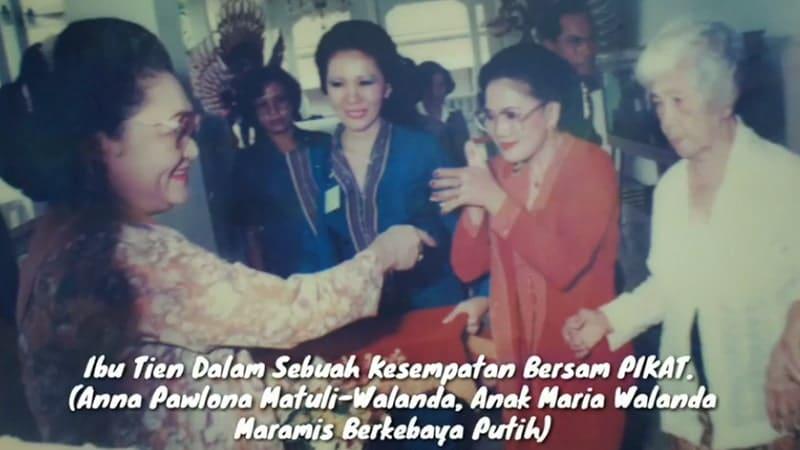 Biografi Maria Walanda Maramis - Anna Pawlona Matuli Walanda dan Ibu Tien Soeharto