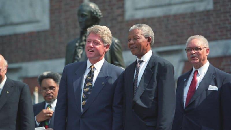 Biografi Nelson Mandela - Nelson Mandela dan Bill Clinton
