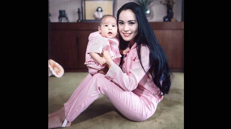 Biografi Ratna Sari Dewi Soekarno Istri Jepang Bung Karno Posbagus