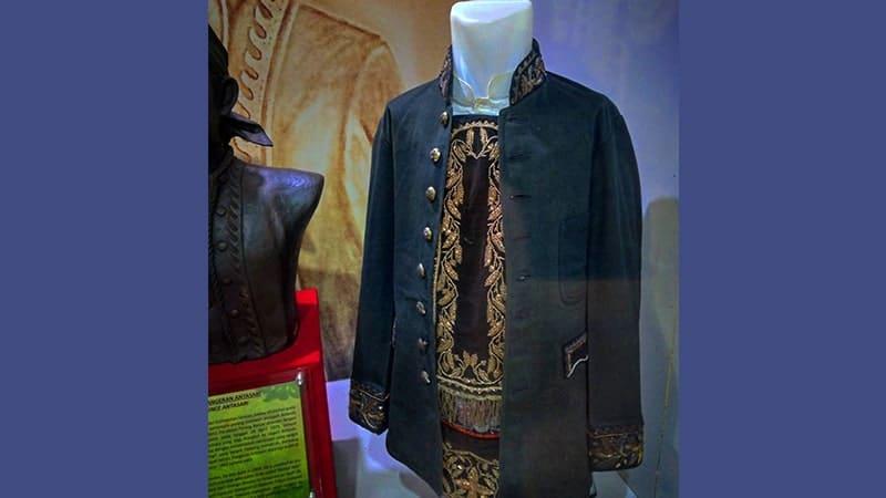 Biografi Pangeran Antasari - Baju Kebesaran