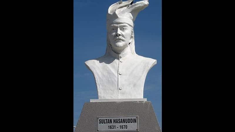 monumen ayam jantan dari timur