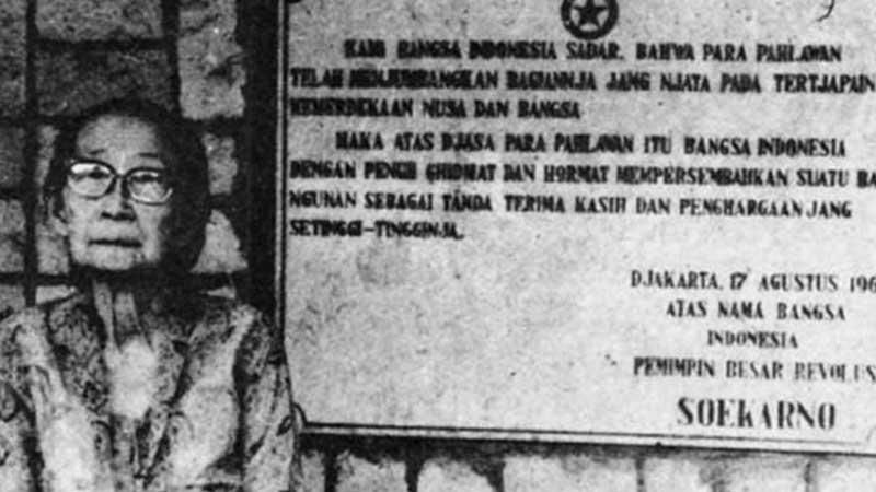 Biografi Siti Oetari - Utari