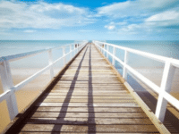 Mencari Sunscreen untuk Kulit Berjerawat? Di Sini Rekomendasinya
