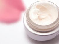 Mencari Rekomendasi Eye Cream yang Bagus? Berikut Daftarnya